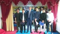 Ziya Selçuk - Milli Eğitim Bakanı Selçuk, Öğrencilerle Sıraya Girerek Yemek Aldı