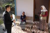ANıTKABIR - (Özel) Muhtar Adayı Üniversite Mezunu Genç Kapı Kapı Dolaşıp Oy İstiyor