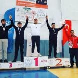 GÜREŞ TAKIMI - Güreşçiler Madalya İle Döndü