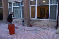 BÖBREK RAHATSIZLIĞI - Hastaneyi Savaş Alanına Çevirdiler