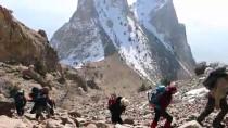 ANMA ETKİNLİĞİ - Türk Dağcılar Hocalı Katliamı Kurbanları İçin Tırmandı