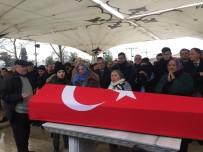 AHMET DAVUTOĞLU - Ünlü Tarihçi Prof. Dr. Kemal Karpat Son Yolculuğuna Uğurlandı