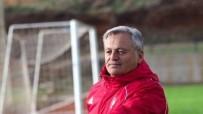 UŞAKSPOR - UTAŞ Uşakspor, Bahri Kaya İle Yolları Ayırdı