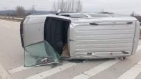Yoldan Çıkan Araç Takla Attı Açıklaması 4 Yaralı