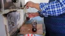 KAZANLı - Asırlık Odun Kazanında Çay Keyfi