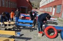 Atık Malzemelerden Renkli Okul Bahçesi Oluşturdular