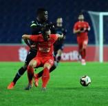 KALE ÇİZGİSİ - İlk Yarı Trabzonspor'un Üstünlüğüyle Bitti