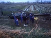 Otomobil Kanala Uçtu Açıklaması 2 Ölü, 3 Yaralı