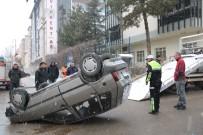 AFYONKARAHISAR BELEDIYESI - Takla Atan Otomobili Polis Ekipleri Kendi İmkanlarıyla Düzeltti