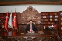 Belediye Başkanı Seçen, Vatandaşları Dolandırıcılara Karşı Uyardı