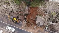 PİRİ REİS - Beykoz'da Yola Çöken İstinat Duvarı Havadan Görüntülendi