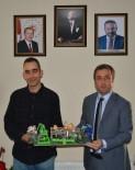 NEVZAT DOĞAN - İzmit Belediyesi'ne Anlamlı Hediye