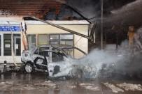 Kaza Sonrası Alev Topuna Dönen Otomobildeki İki Kişi Son Anda Kurtarıldı