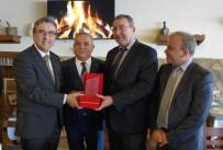 KAYALı - Kuşadası Liman Başkanlığı'ndan Serdar Akdoğan'a Plaket