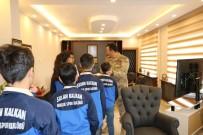 Şampiyon Sporculardan Jandarma Komando Alay Komutanı Süslü'ye Ziyaret