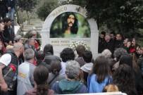 DOĞUKAN MANÇO - Barış Manço Ölümünün 20'Nci Yılında Mezarı Başında Anıldı