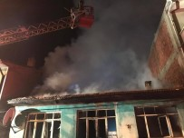 AHŞAP EV - 7 Kişinin Yaşadığı Ahşap Ev, Yangında Kül Oldu