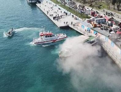 İstanbul Boğazı Aşiyan açıklarında gezi teknesinde yangın