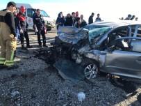 Karşı Şeride Geçen Otomobil Faciaya Neden Oldu Açıklaması 3 Ölü, 1 Ağır Yaralı