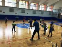 GÜREŞ TAKIMI - Öğrenciler Spor Salonlarını Doldurdu