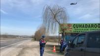 TRAFİK DENETİMİ - Sakarya'da Helikopterli Trafik Denetiminde 28 Araç Sürücüsüne Ceza Kesildi
