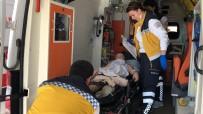 Sokağa Giden Topu Almak İsteyen Öğrenciyi Köpek Isırdı