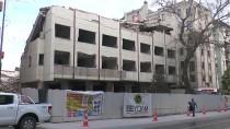 SARAYLAR - Yıkım Yapılan Eski Hastane Binasının Çökmesi