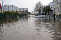 Antalya'da Okullara Fırtına Tatili