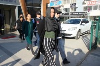 ZİYNET EŞYASI - Bohçacı Kılığında Girdikleri Evleri Soyan Şahısların 5'İ De Tutuklandı