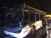 ULUKENT - İzmir'de Otobüs Alevlere Teslim Oldu