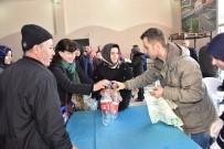 BOZÜYÜK BELEDİYESİ - Plastik Şişeyi Kapan Kapalı Pazara Koştu