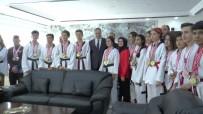 TEKVANDO - Spora Kazandırılan Çocuklar Emniyet Müdürü Kulular'ı Ziyaret Etti