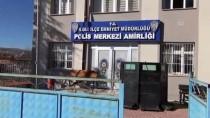 KAMYONCU - Yolda Bulduğu 4 Bin Lirayı Sahibine Teslim Etti