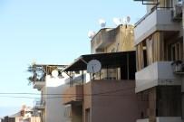 İZMIR EKONOMI ÜNIVERSITESI - Binalara Sonradan Eklenen Yapılar İnsan Hayatını Tehlikeye Atıyor