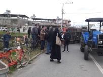 KADIN İŞÇİ - Hatay'da Traktör Devrildi Açıklaması 15 Yaralı