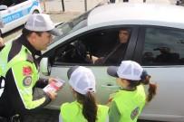 SADETTIN YÜCEL - Kuşadası'da 'Yaya Öncelikli Trafik' Uygulaması