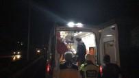 DİKKATSİZLİK - Kuşadası'nda Motosiklet Yayaya Çarptı; 3 Yaralı