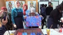 Malezyalı Öğrencilere Ebru Eğitimi