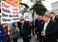 İSMAIL USTAOĞLU - 'Öncelik Hayatın, Öncelik Yayanın' Sloganı İle Trabzon'da Sokağa Çıktılar