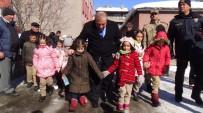 YUSUF İZZET KARAMAN - Sarıkamış'ta Trafikte 'Öncelik Hayatın Öncelik Yayanın' Eylemi