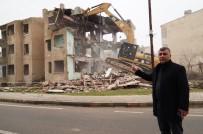 BATMAN VALİSİ - Batman'da Tehlike Arz Eden Metruk Binalar Yıkıldı