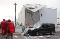 GÜMBET - Bodrum'da Korkutan Patlama; Beton Bloglar Araçların Üstüne Uçtu