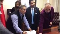 İMZA TÖRENİ - 'Efsane Güreşçi' Ahmet Taşçı'nın Hayatı Film Oluyor