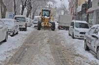 YAĞAN - Gölbaşı İlçesinde Kar Temizleme Çalışmaları Devam Ediyor
