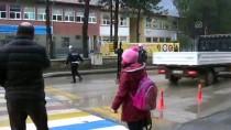 KAZANCı - Okul Önünde 'Maket Polis' Uygulaması