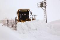 Tunceli'de Kar Etkili Oldu, 212 Köy Yolu Ulaşıma Kapandı