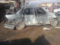 Yozgat'ta Tır İle Otomobil Çarpıştı Açıklaması 4 Yaralı