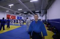 KAĞıTSPOR - Eski Şampiyon Yeni Adaylar Yetiştiriyor