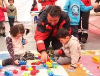 ENGELLİ ÖĞRENCİLER - Eskişehir UMKE Ekibi İşitme Engelli Miniklerle Buluştu