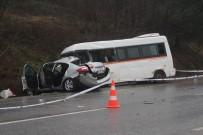 Öğrenci Servisi Otomobille Çarpıştı Açıklaması 1 Ölü, 9 Yaralı